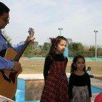 Dana y Dania cantando